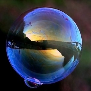 Bubble-Photo-by-Brocken-Inaglory