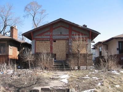 Abandoned-House-in-Ambridge-Pennsylvania-Public-Domain